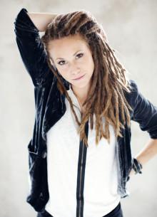 Indiestjärnan MARYJET släpper sin efterlängtade första singel sedan hennes medverkan i Idol 2009.