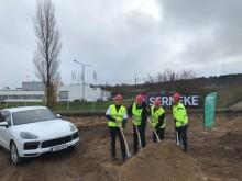 Första spadtaget för nytt Porsche Center i Jönköping
