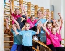 Lapset liikkuvat vauhdikkaissa iltapäiväkerhoissa eri puolilla Suomea