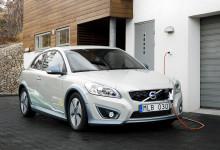 Volvo Personvagnar ökar tempot i utvecklingen av eldrivna bilar - bygger hel testflotta