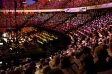 Sånger för livet 10 år - Läkarmissionen firar med Sveriges största julkonsert