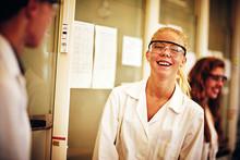 Globalt projekt ska inspirera gymnasieelever att välja högskolestudier:  samarbete mellan Olympiaskolan, Johnson & Johnson och Lunds universitet