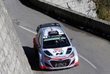Hyundai går i mål med båda bilarna i Rally Monte-Carlo