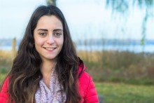 Junge Busfahrerin hat sich für neues Hören mit dem Cochlear™ Nucleus® Kanso® entschieden