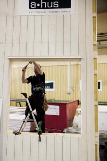 A-hus investerar i husfabriken och ser positivt på framtiden