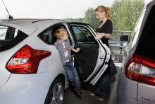 Fords nya dörrkantsskydd skyddar mot bucklor och repor även på de smalaste parkeringsplatserna