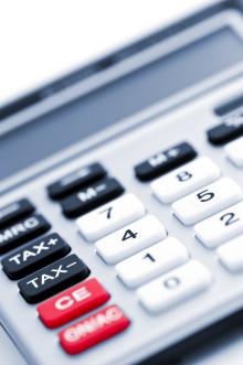 Skatteverket får utökade resurser för att finna  skatteflyktingar. Sund Affärsbyrå erbjuder hjälp åt de som vill göra frivilliga rättelser.