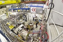 Einsteins gravitationsteori testas på antimateria