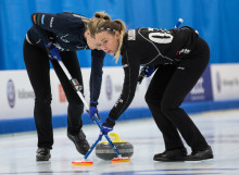 Curling: Lysande inledning för lag Anna Hasselborg i Masters