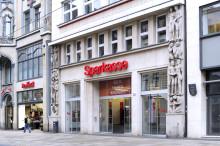 Kölledaer Leseratten bekommen neues Futter: Sparkasse fördert Freizeit-Leseprojekt