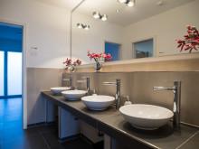 Komfort und Barrierefreiheit auf höchstem Niveau – Villeroy & Boch stattet die Residenz Losheim am See mit Sanitärkeramik und Fliesen aus