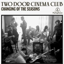 "Two Door Cinema Club - ny EP og single ""Changing of the Seasons"""
