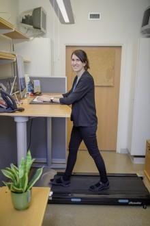 Gåband vid skrivbordet ökade aktiviteten – på jobbet