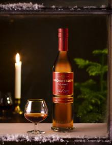 Grönstedts Noël 2015 XO firar tioårsjubileum – Årets julcognac är kryddigt intensiv med inslag av mandel, exotisk frukt och marmelad