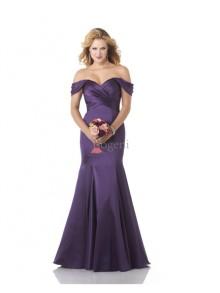 Tips för att välja en festklänning för kvinnor