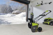 Låt snön falla! Förbered dig med NYA 36V Snöslungan från Ryobi