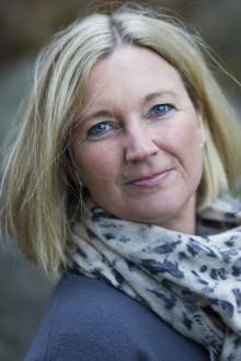 Järfällabon Eva Rydinger är aktuell med sin andra roman Härifrån till verkligheten