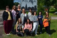 Världens största uppslagsverk har skrivläger för kvinnor i Molkom