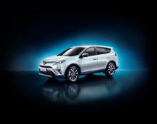 Toyota visar RAV4 Hybrid på New York Auto Show
