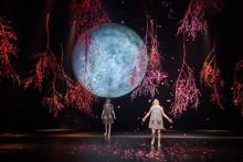 Premiär för årets storslagna familjeföreställning Det blåser på månen