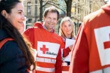 Röda Korset bjuder in partiledarna att göra praktik