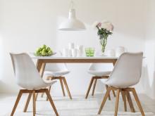 Färgkartan VIT&GRÅ från Caparol - Ny färgkarta för modernt tidlös färgsättning inomhus