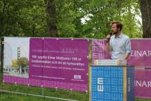 Första gjutningen hos Einar Mattsson – bostäder ersätter gamla stadshuset