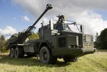 Skarpskjutning med artilleri i närvaro av statsministern avslutar striderna under försvarsmaktsövning Aurora 17