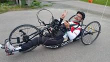 Han cyklar Göteborgsgirot för fjärde året i rad – med armarna!