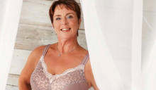 Marianne, 54, blir nya modellen för underkläder