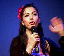 """Zinat Pirzadeh inleder Teskedsordens nya webbserie """"Inte en främling"""""""