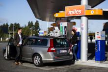 Statoil först på svenska marknaden med en bensin som spar bensin