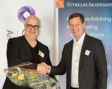 Bedros Sakayan tilldelas priset för Årets moderna ledarskap i Umeå