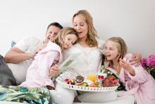 Äidit vinkkaavat: kuva perheestä ilahduttaisi eniten