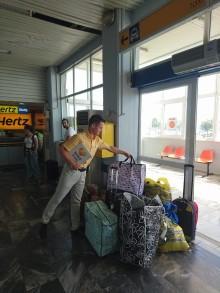 Tonsvis af hjælpepakker til Lesbos fra danske turister