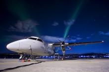 Wenn der Himmel leuchtet: Widerøe bietet erstmals Nordlicht-Rundflüge ab Tromsø