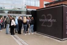 Den första september invigs YBC Nackas kub för mänskliga rättigheter i Kungsträdgården