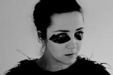 Norska stjärnskottet Emilie Nicolas släpper debutalbum