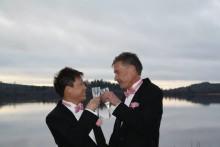 Hatet stoppar inte deras kärlek, ett samtal med makarna Roy och Håkan från Kinna