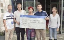 Hyundai skänker 115 000 kr till Gatans Lag