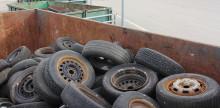 Nu samlar vi in gamla bildäck i Skutskär