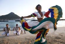 50 Jahre Unabhängigkeit Mauritius - Einheimische und Urlauber feiern zusammen