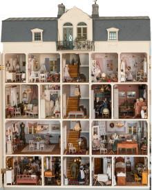 Dockskåp & miniatyrer på Katrinetorp