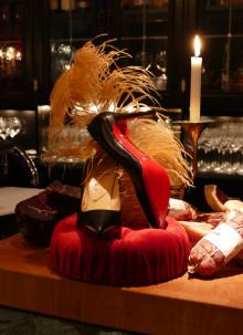 Hotel Pigalle lånar ut Louboutin-skor till sina gäster