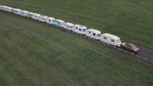 Ford Ranger zieht 15 Wohnwagen – YouTube-Video demonstriert die enorme Zugkraft des kraftvollen Pick-up