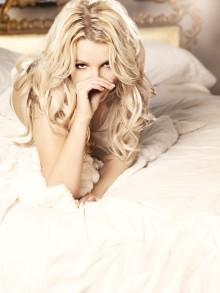 Britney Spears slår rekord i USA och är etta i 19 länder