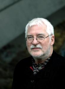 Særmerkte, leikande og opprørske dikt frå Björner Torsson i norsk gjendiktning