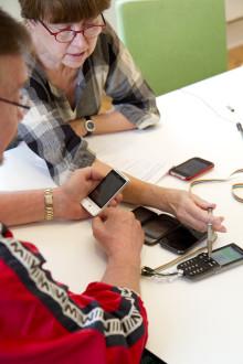 Tungt designpris till banbrytande smartphone för seniorer