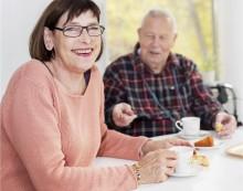 Fler äldre kan bo tryggt och socialt hos Familjebostäder