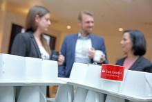Santander lässt  Coffee To Go-Becher gehen